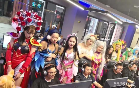 """柳州电竞猴体验馆,颜值cosplay女神喊你来""""吃鸡"""""""